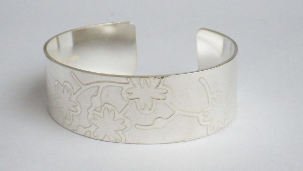 Japanese Flowers bangle